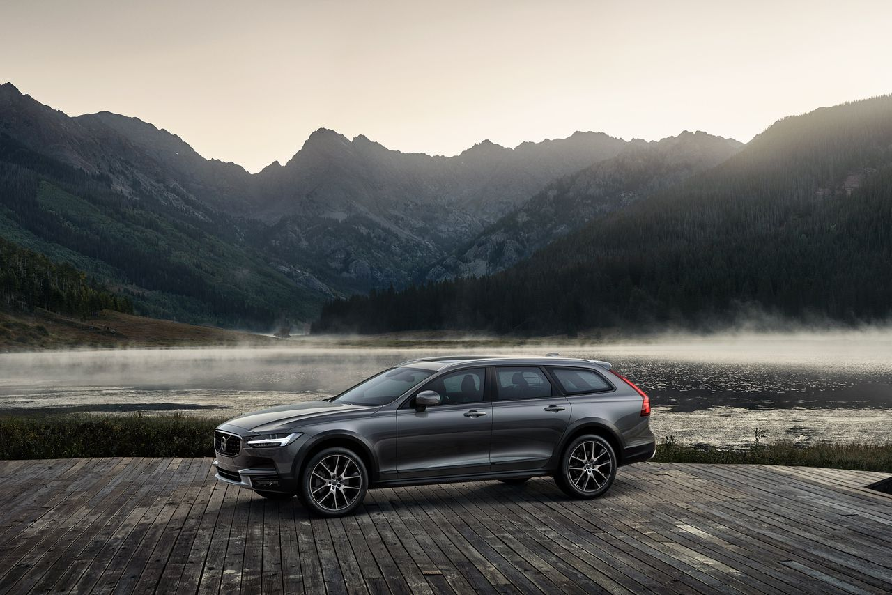 the volvo v90 cross country unofficial car of colorado and vermont is here the verge. Black Bedroom Furniture Sets. Home Design Ideas