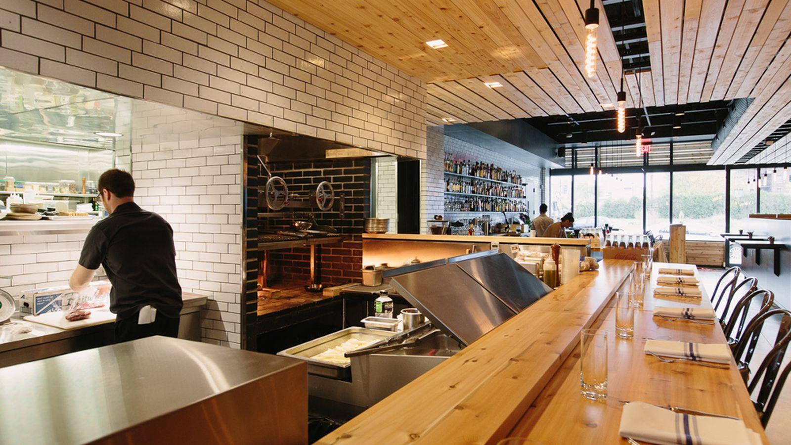 Selden standard named detroit free press restaurant of the for Table 52 chicago restaurant