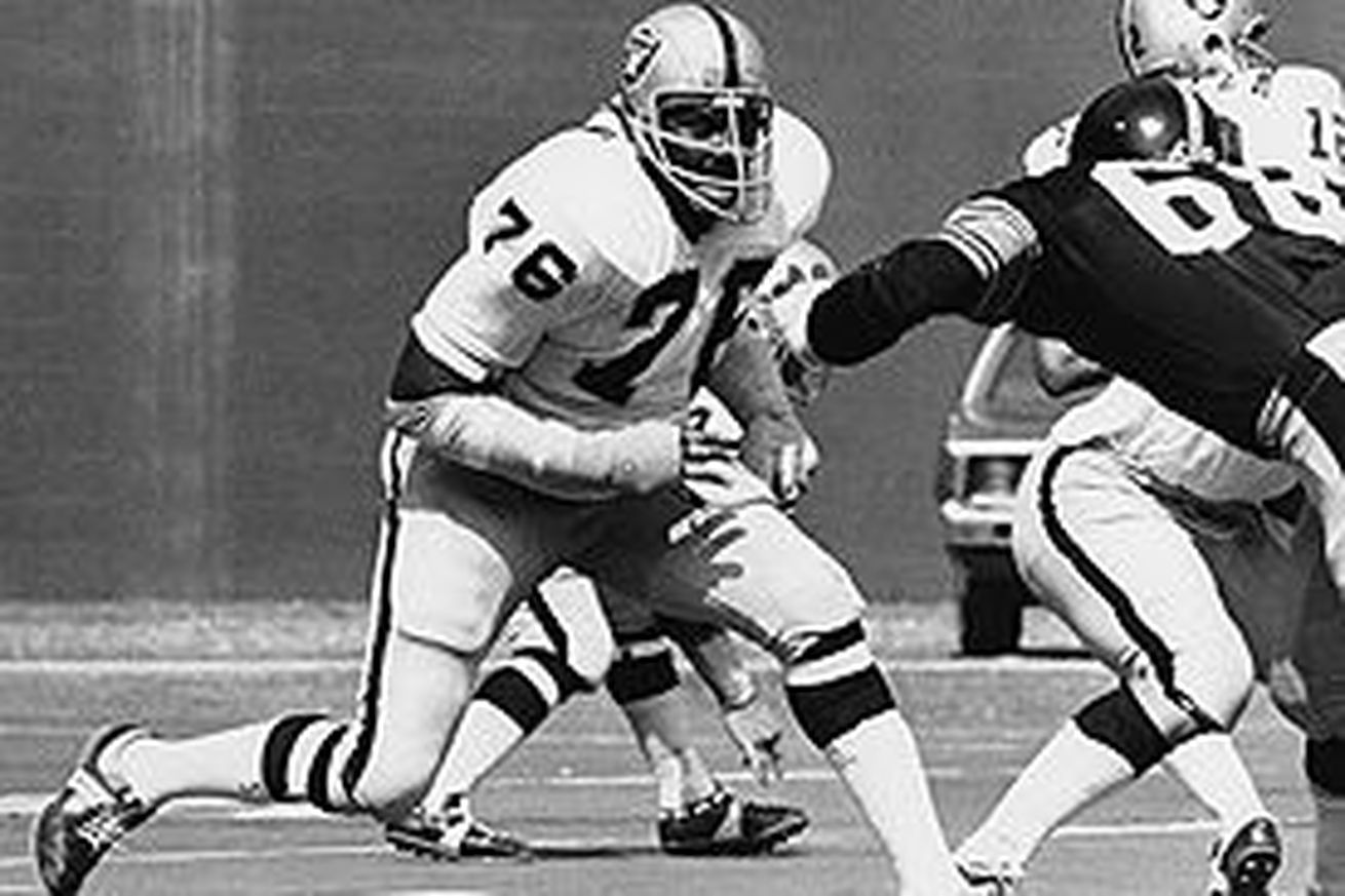 'Mean' Joe Greene tells classic story about Raiders Hall of Famer Bob Brown being one player who intimidated him