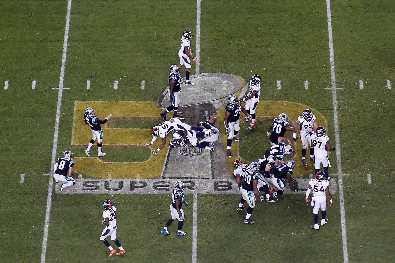 Broncos players have differing opinions on Levi's Stadium field conditions