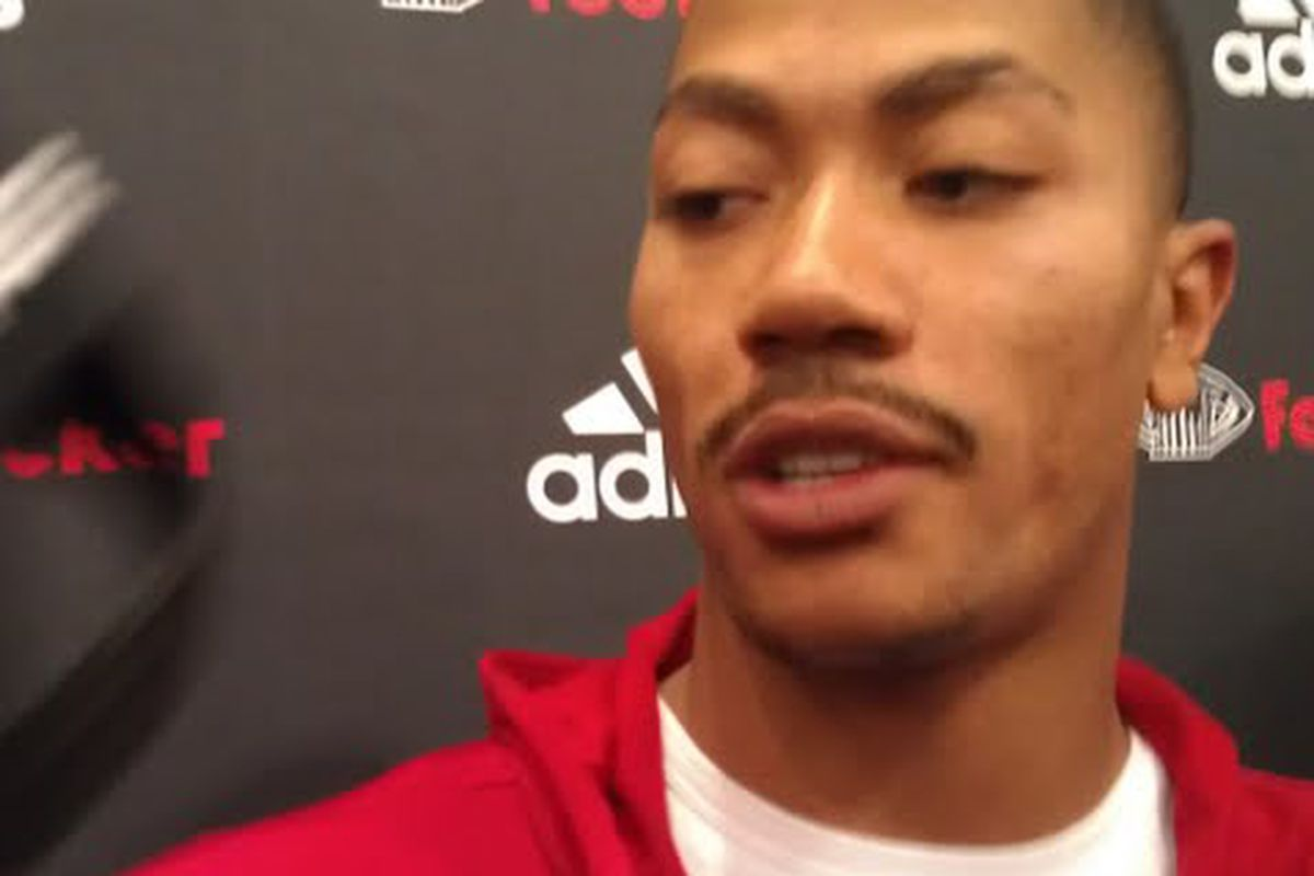 photo essay derrick rose meets fans media at foot locker d rose