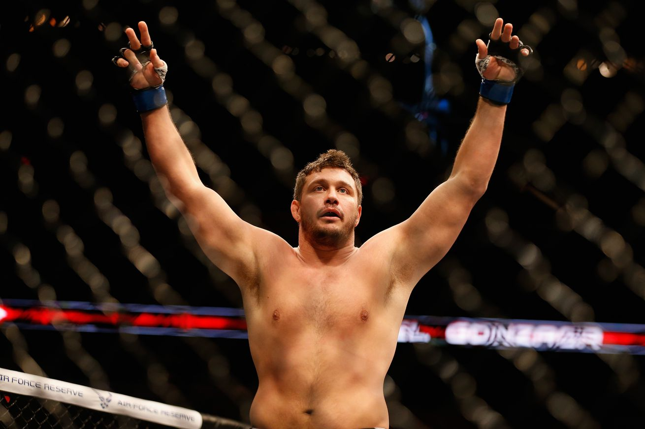 community news, Knockout! Watch Matt Mitrione put an end to Oli Thompson via second round KO at Bellator 158