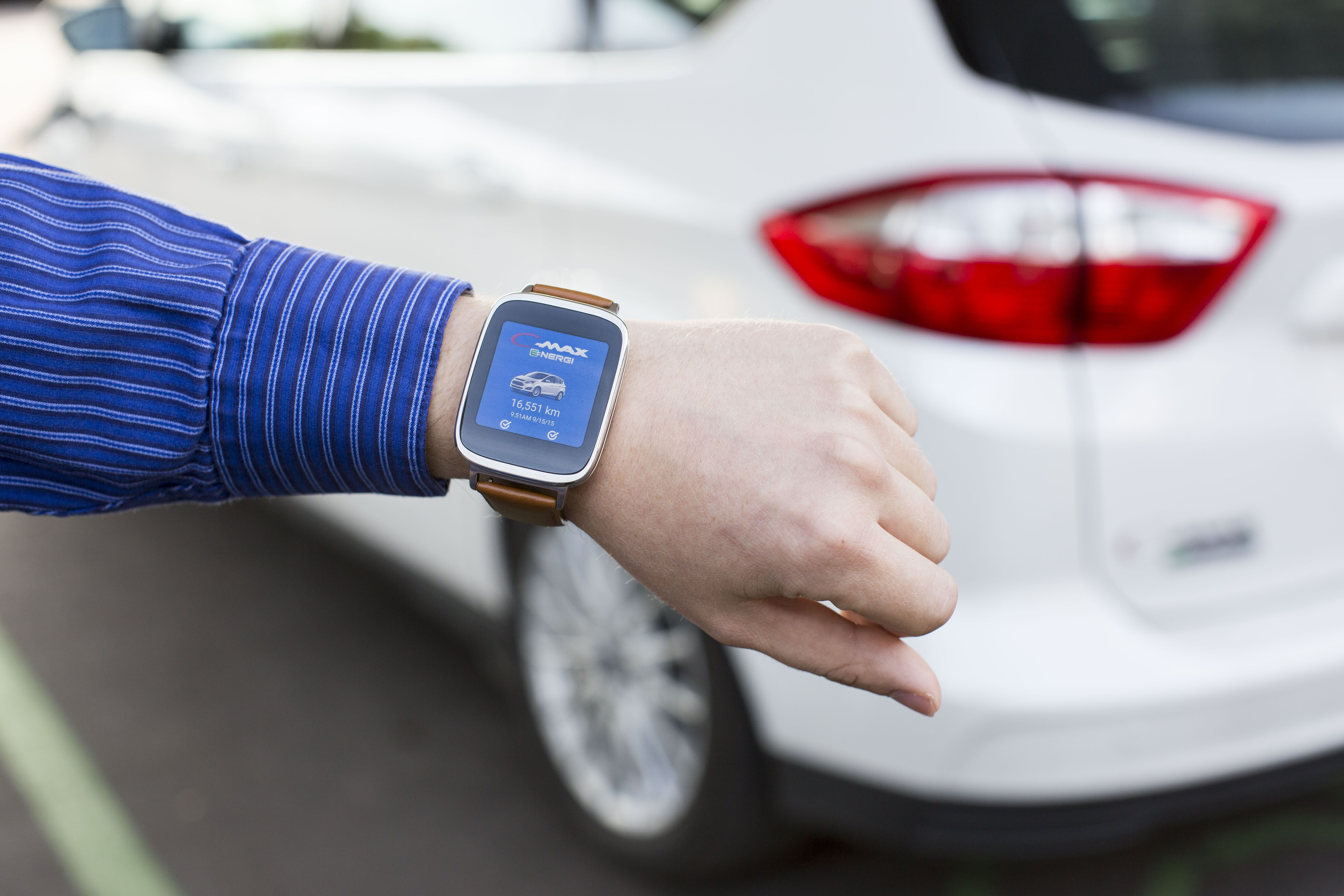 ford launches smartwatch apps for its electric and plug in. Black Bedroom Furniture Sets. Home Design Ideas