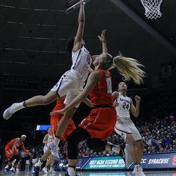 UConn's Gabby Williams (15) (floor cam view)