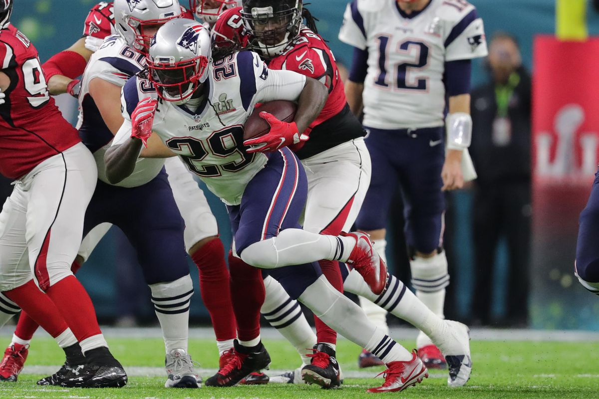 Eagles sign RB Blount to one-year deal