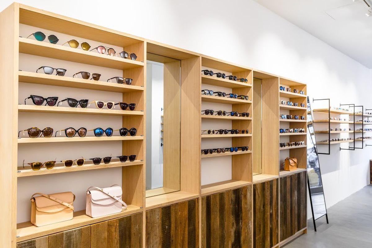 glasses store 2hxd  glasses store
