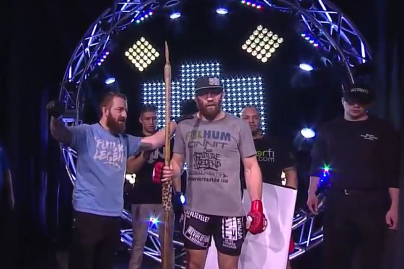 David Rickels does 'Mannequin Challenge' for Bellator 171 walkout