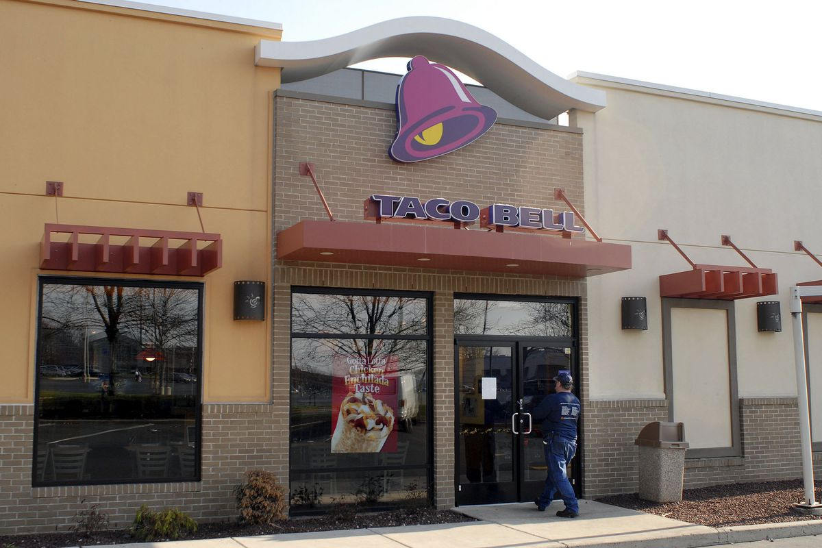 w arrested for attacking taco bell employees customers over william thomas cain getty images