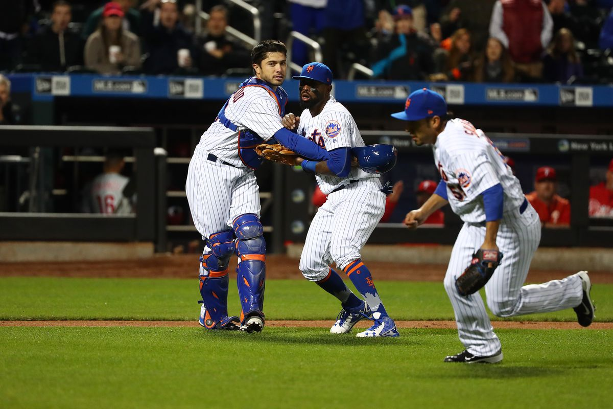 Bruce powers Mets past Phillies 5-4 to stop 4-game slide