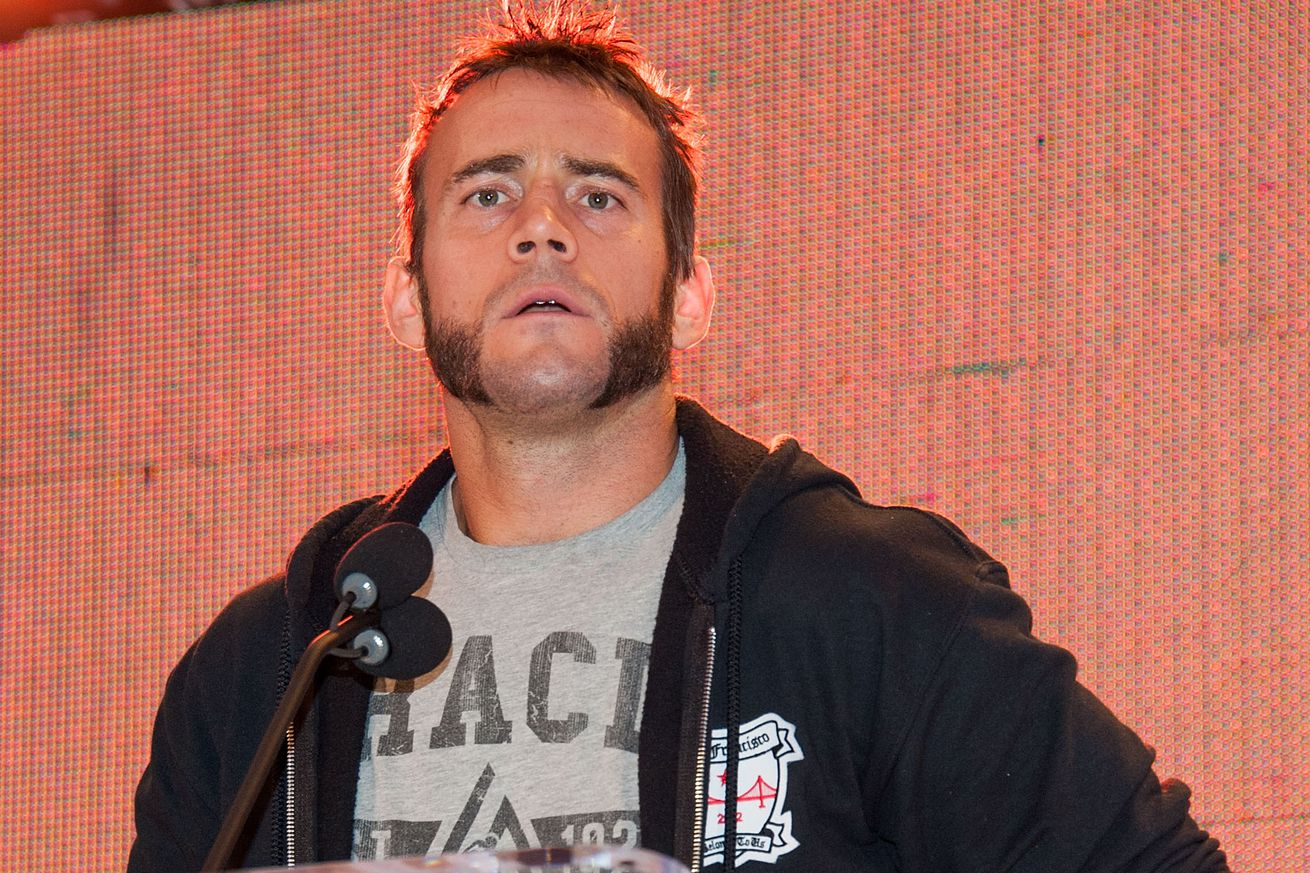 community news, Joe Rogan on ridiculous CM Punk signing: Go fight in a smaller promotion instead of UFC