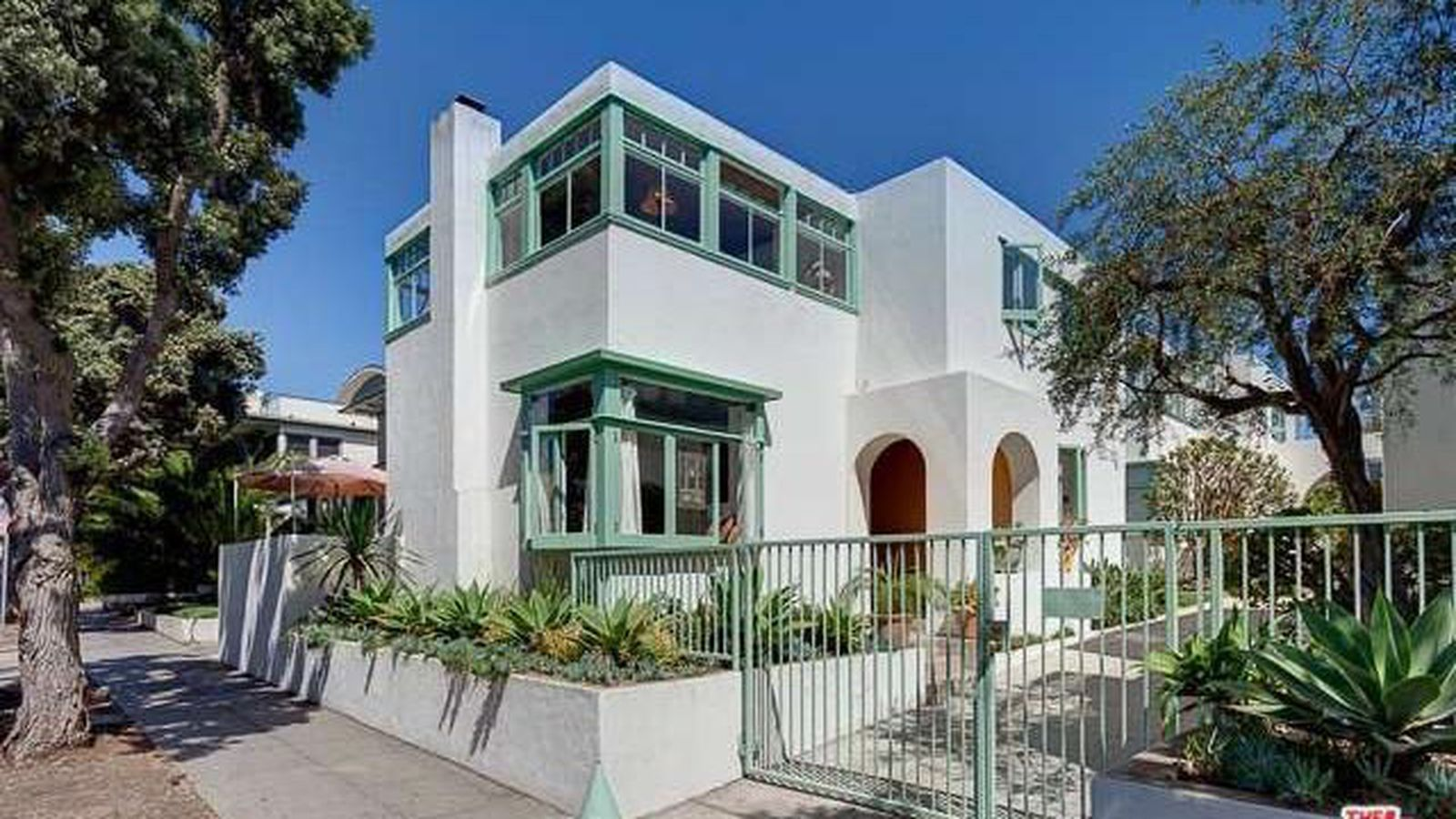 Stunning Irving Gill Townhouse In Santa Monica Asks 2 6m