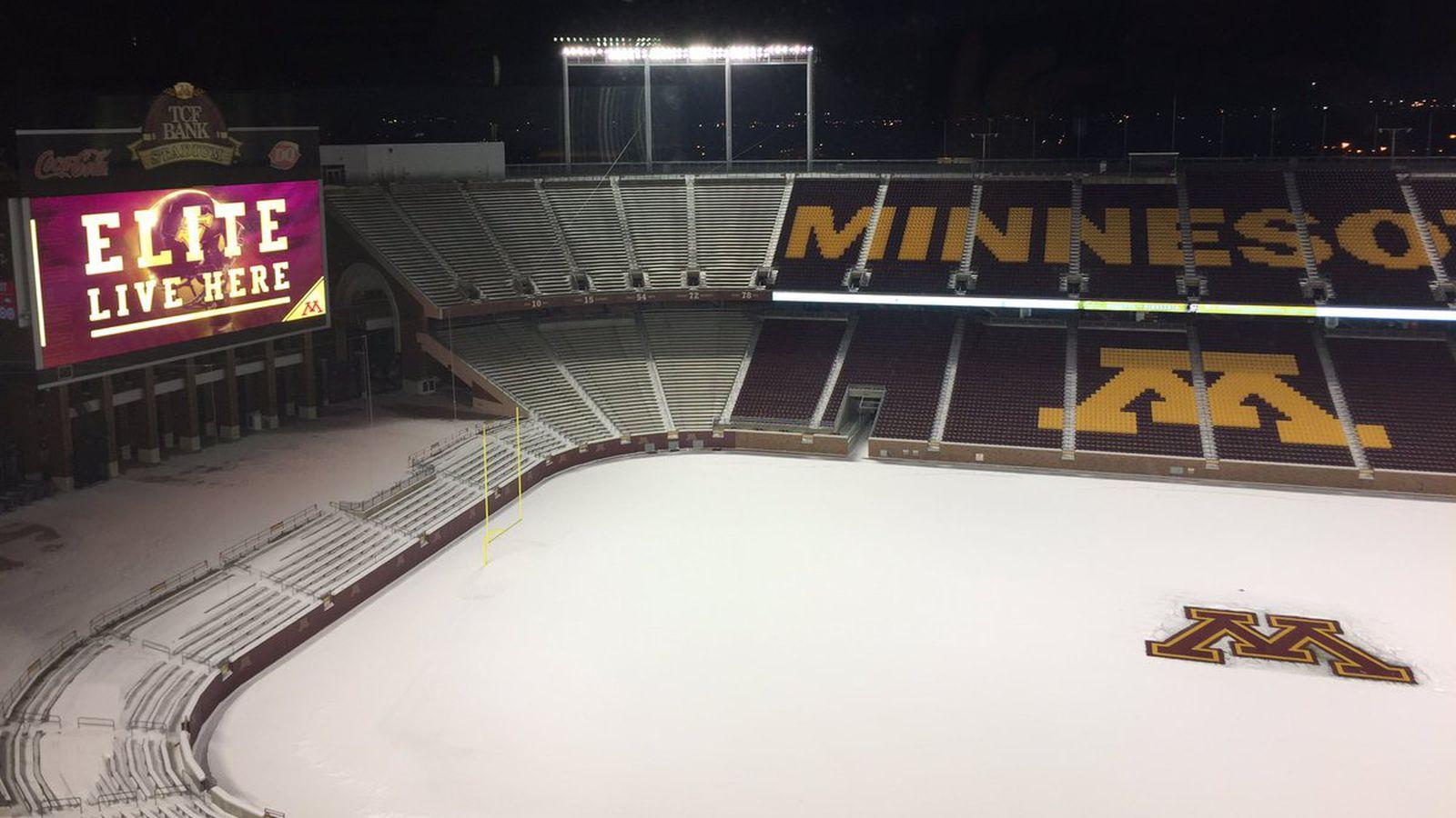 Tcf_recruiting_snow_night.0
