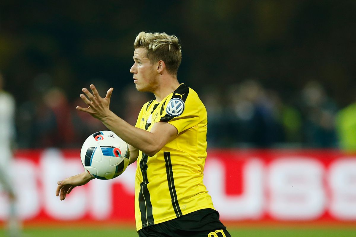 player review erik durm fear the wall. Black Bedroom Furniture Sets. Home Design Ideas