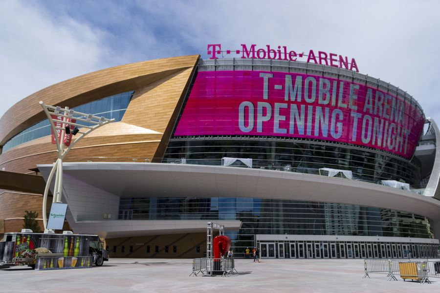 19 things you need to know about t mobile arena eater vegas for Dining at at t park