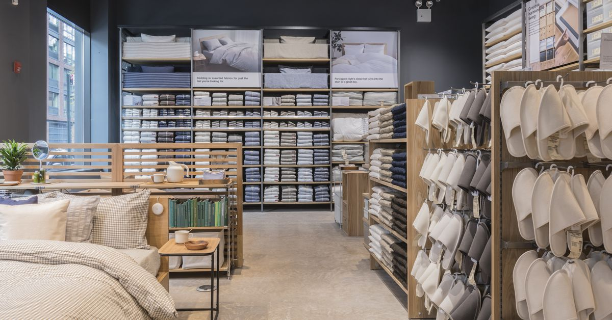 muji s first brooklyn home goods store opens in williamsburg curbed ny. Black Bedroom Furniture Sets. Home Design Ideas