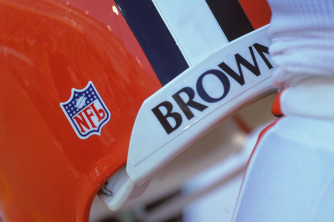 Browns will reportedly look to re-design uniforms, logo in 2020
