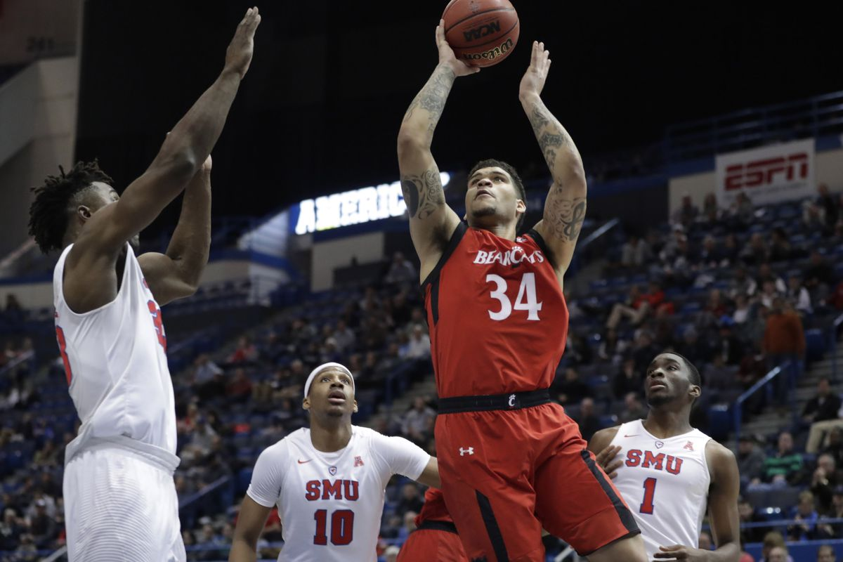 Cincinnati beats Kansas State 75-61 in South Region