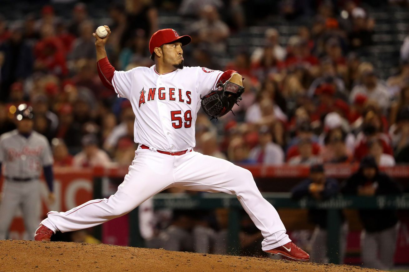 Mets pick up RHP Salas from Angels