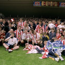 """""""Champs"""" - the 1998-99 promotion squad"""