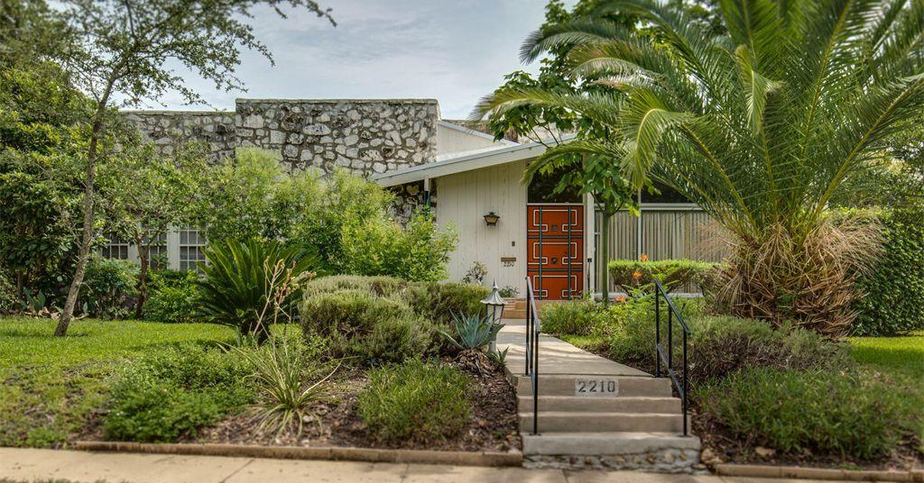 San Antonio 1920s Home With Midcentury Vibes Asks 385K