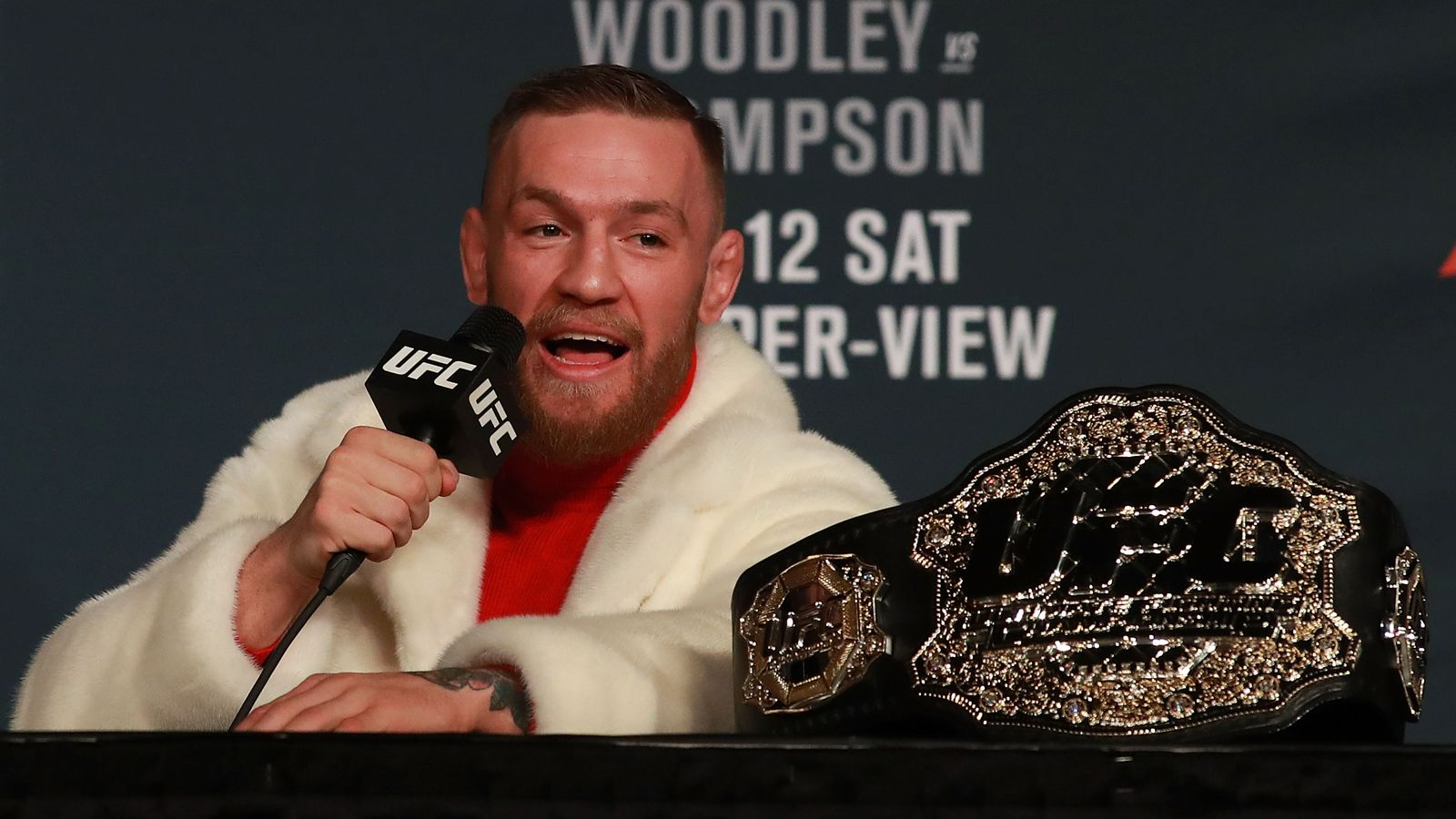 Conor McGregor issues statement on signing 'historic contract' to fight Floyd Mayweather