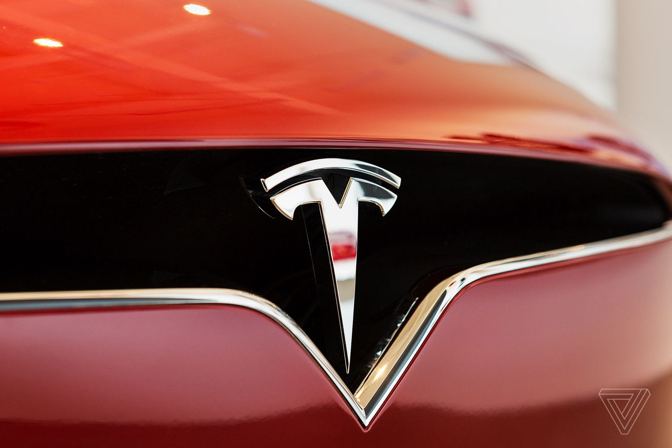Tesla shipped a record 25,051 vehicles last quarter