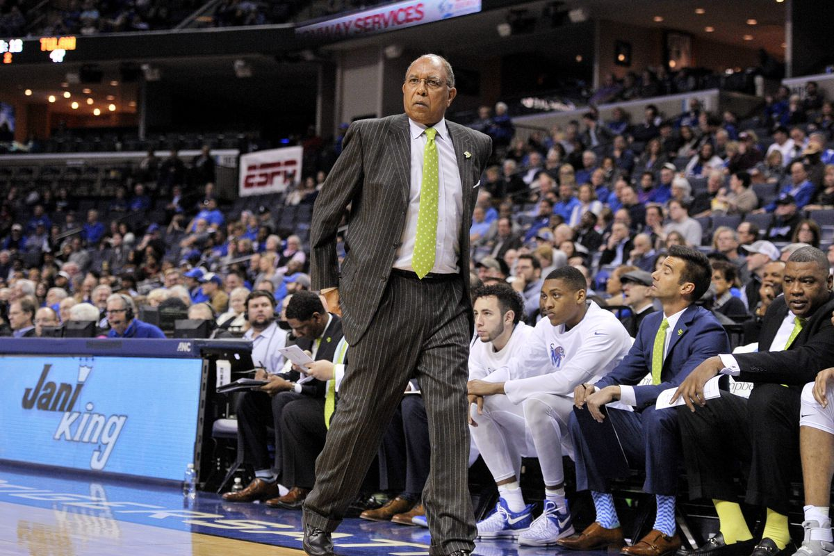 Video shows KJ Lawson making expletive statement toward Tubby Smith