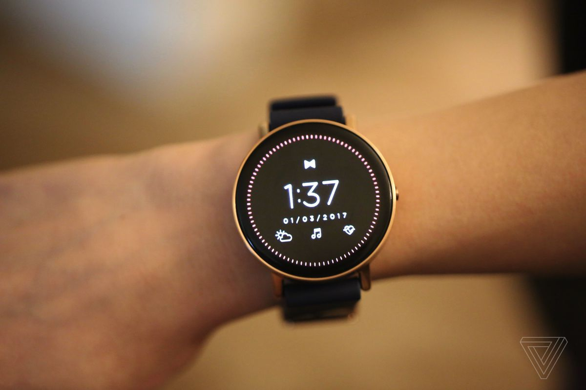 Fossil Expects To Offer 300 Smartwatch Options In 2017 Alone
