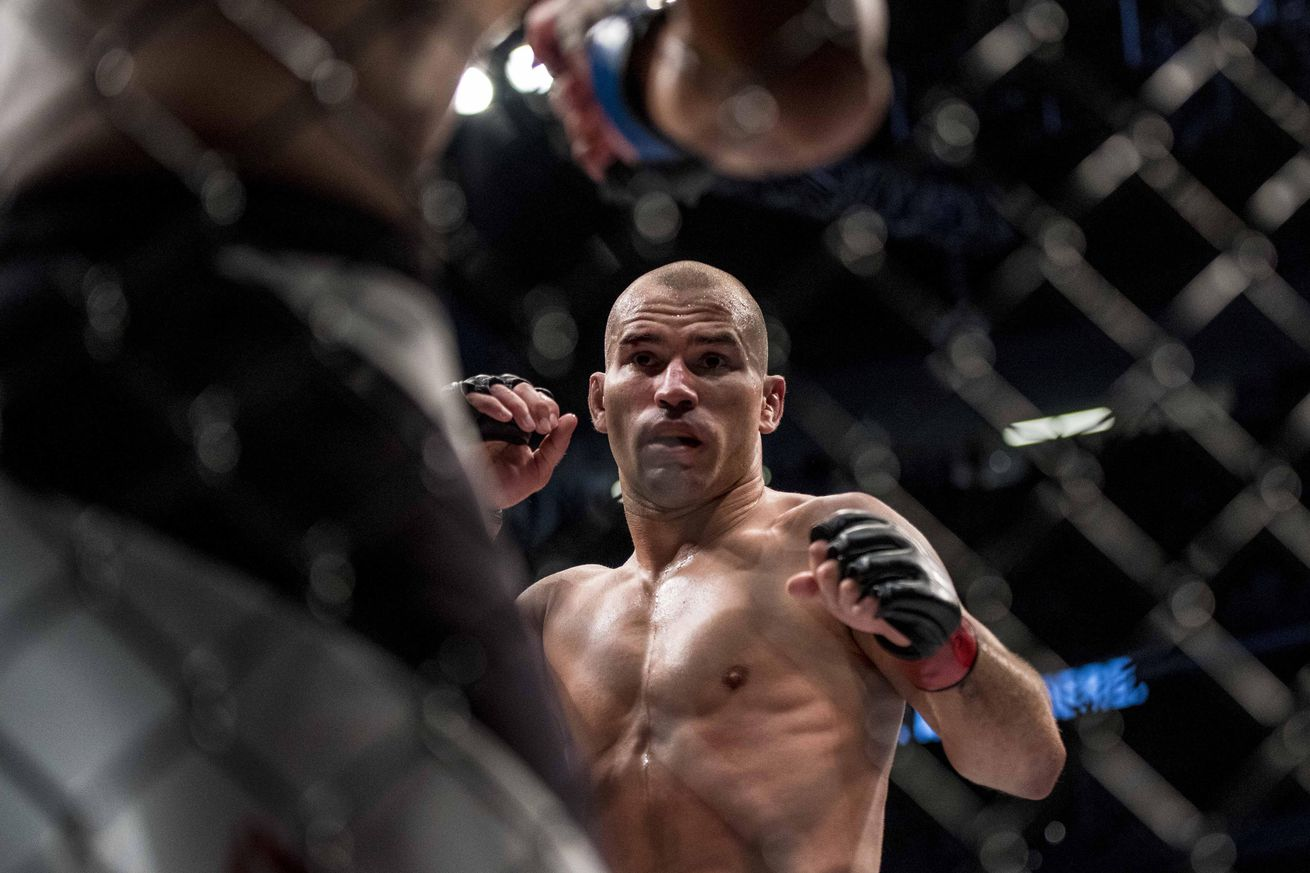 Artem Lobov labels Jose Aldo a 'p*ssy' for accepting Conor McGregor's featherweight title