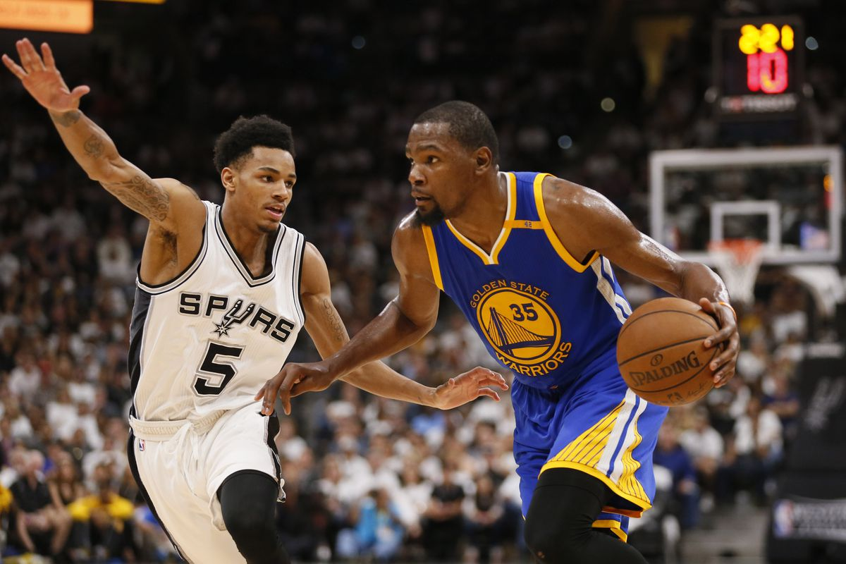 Curry's 36 points leads Warriors to sweep Spurs