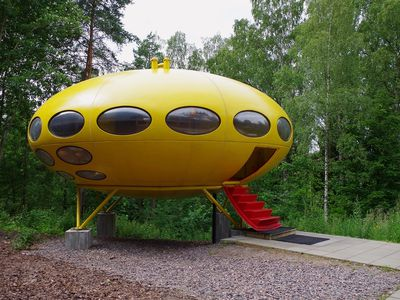 These '60s prefabs shaped like UFOs are scattered around the world
