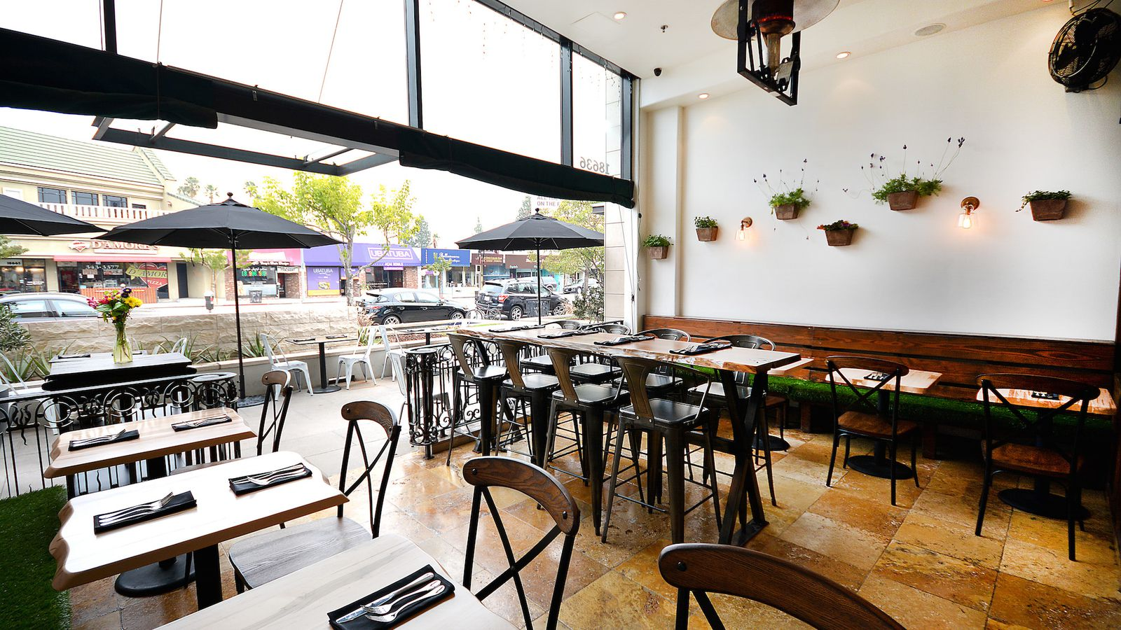 118 degrees is the raw vegan gluten free restaurant