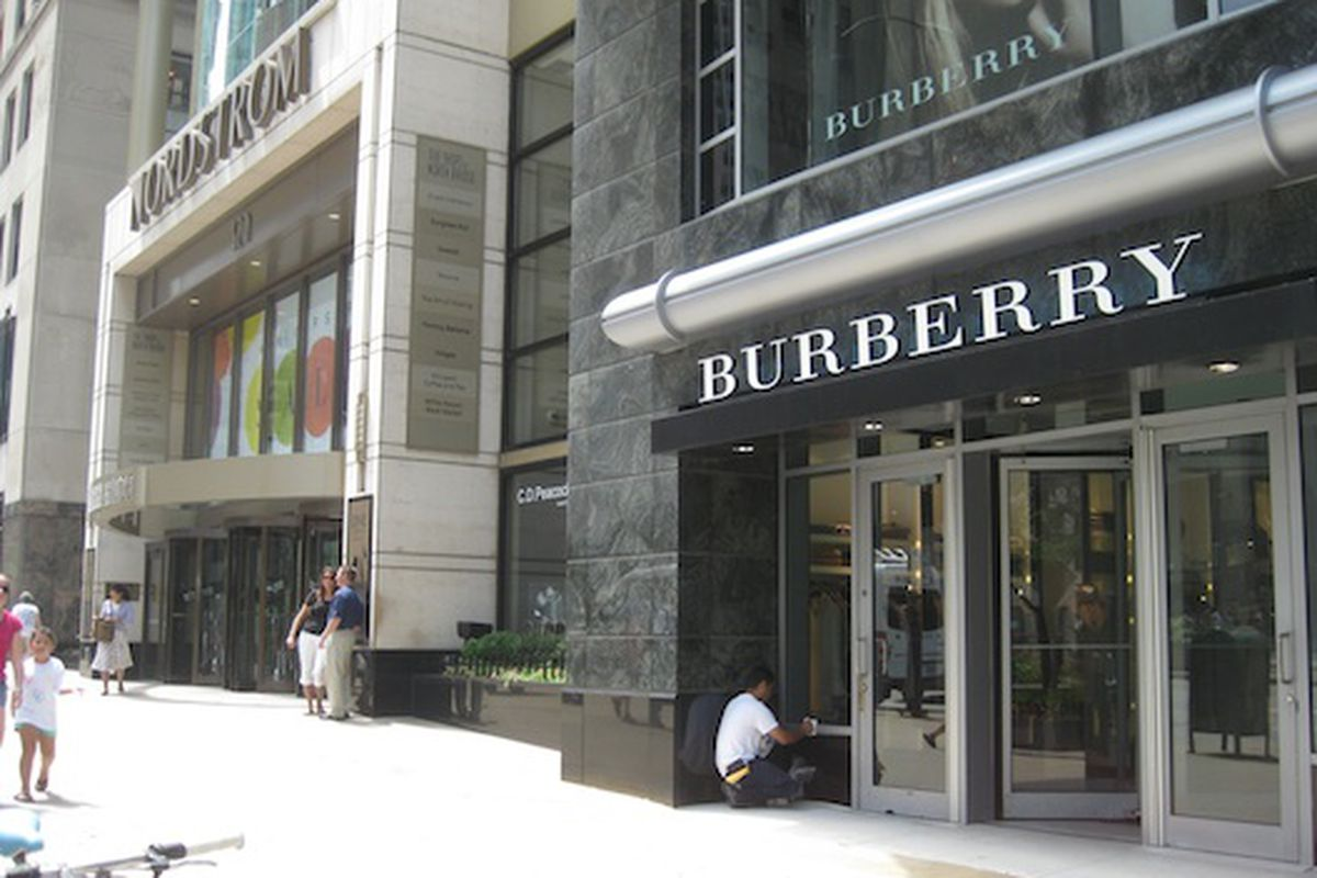 burberry outlet location 1kha  Today was the first day of the temporary Burberry location while their 633  N Michigan Avenue location is getting revamped as a future five story  flagship