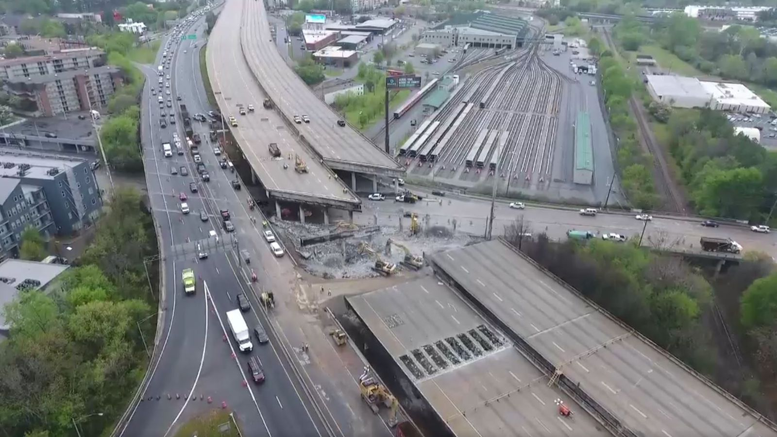 At Atlanta S Interstate 85 Collapse Workers Now Have 3 1m
