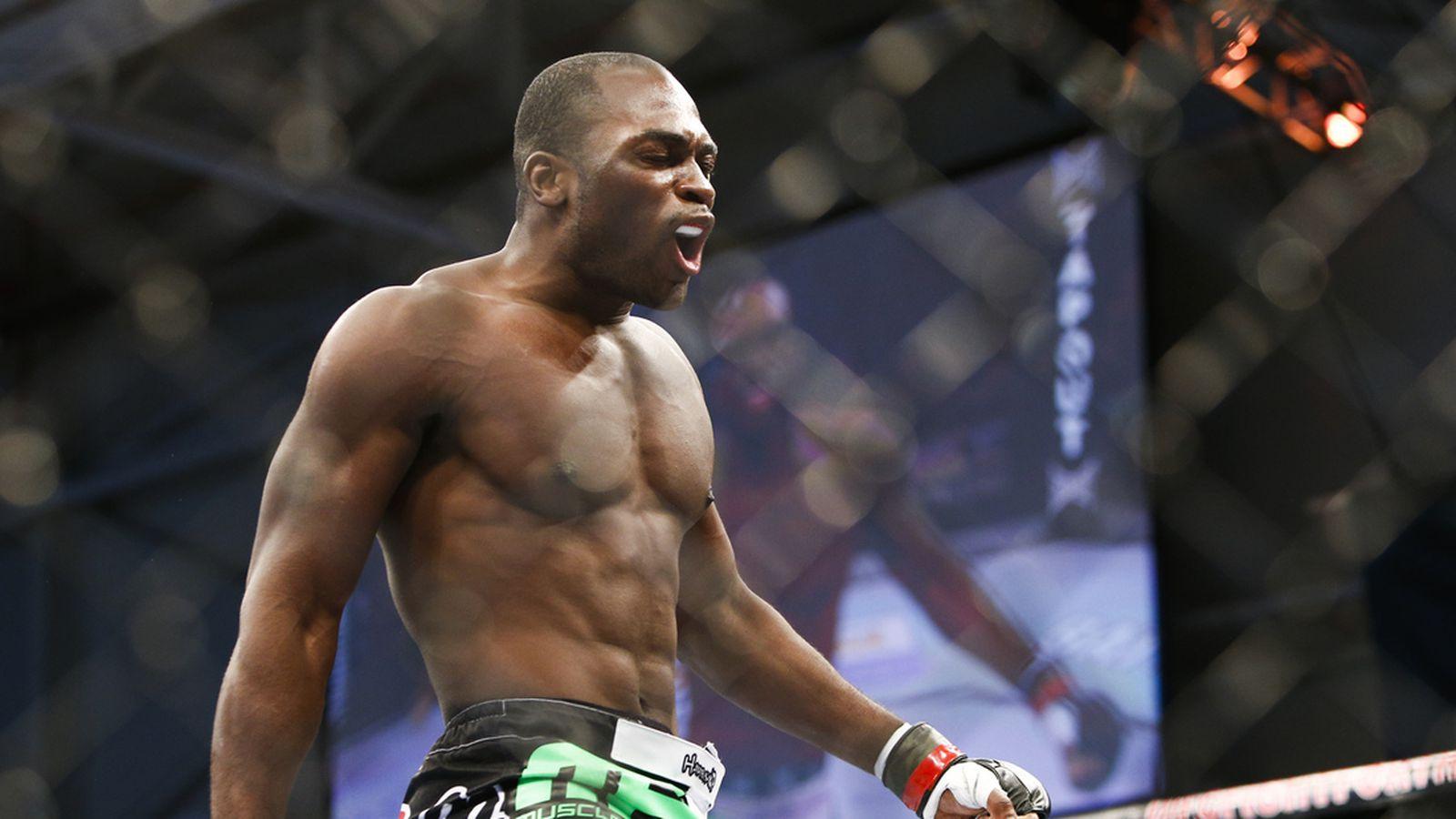 Derek Brunson gets quick turnaround, faces Robert Whittaker at UFC Fight Night 101