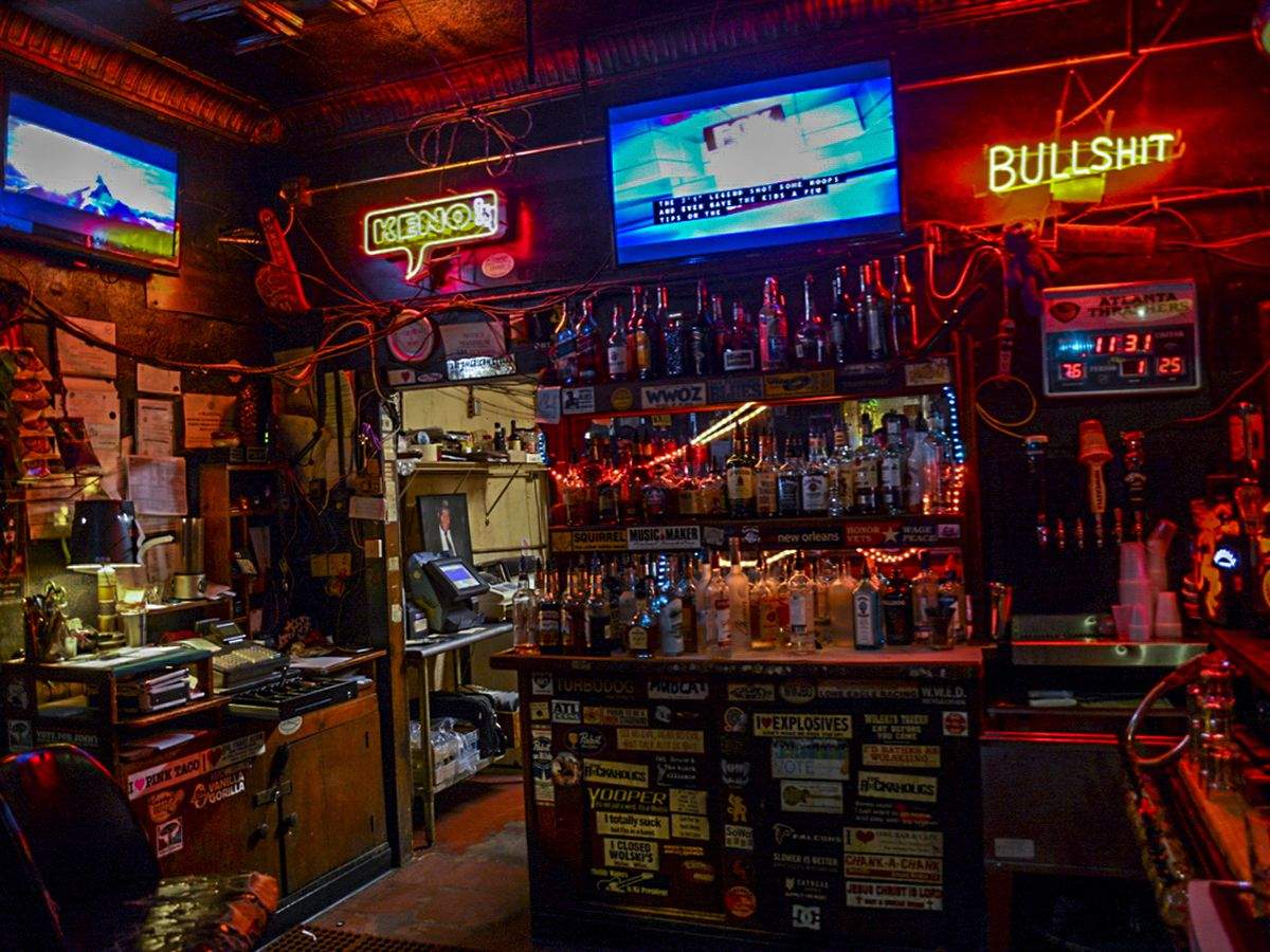 10 Atlanta Dive Bars For All Your Valentine's Day Needs