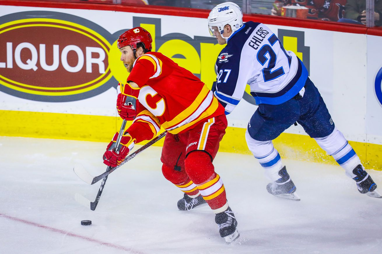 Jets scorch Flames 2-0