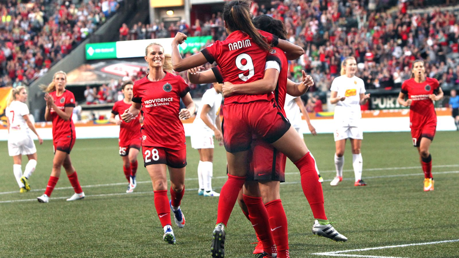 8497-sm_thorns_9_nadia_nadim_in_sinclair_s_arms_9-11-16.0.0