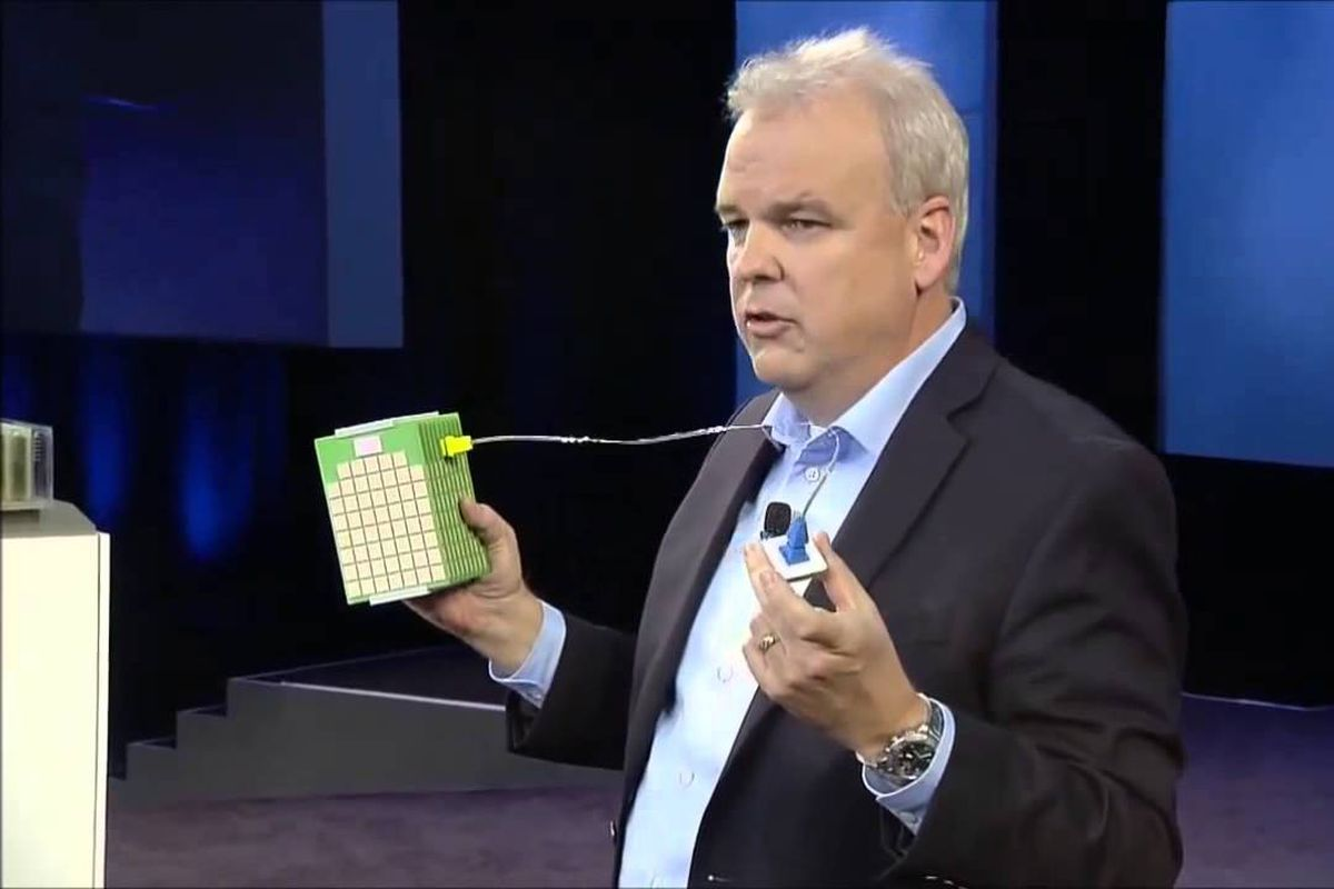 the evolution of cloud computing recode martin fink cto and director of hp labs shows a machine system on a board at hp s discover conference hpe discover