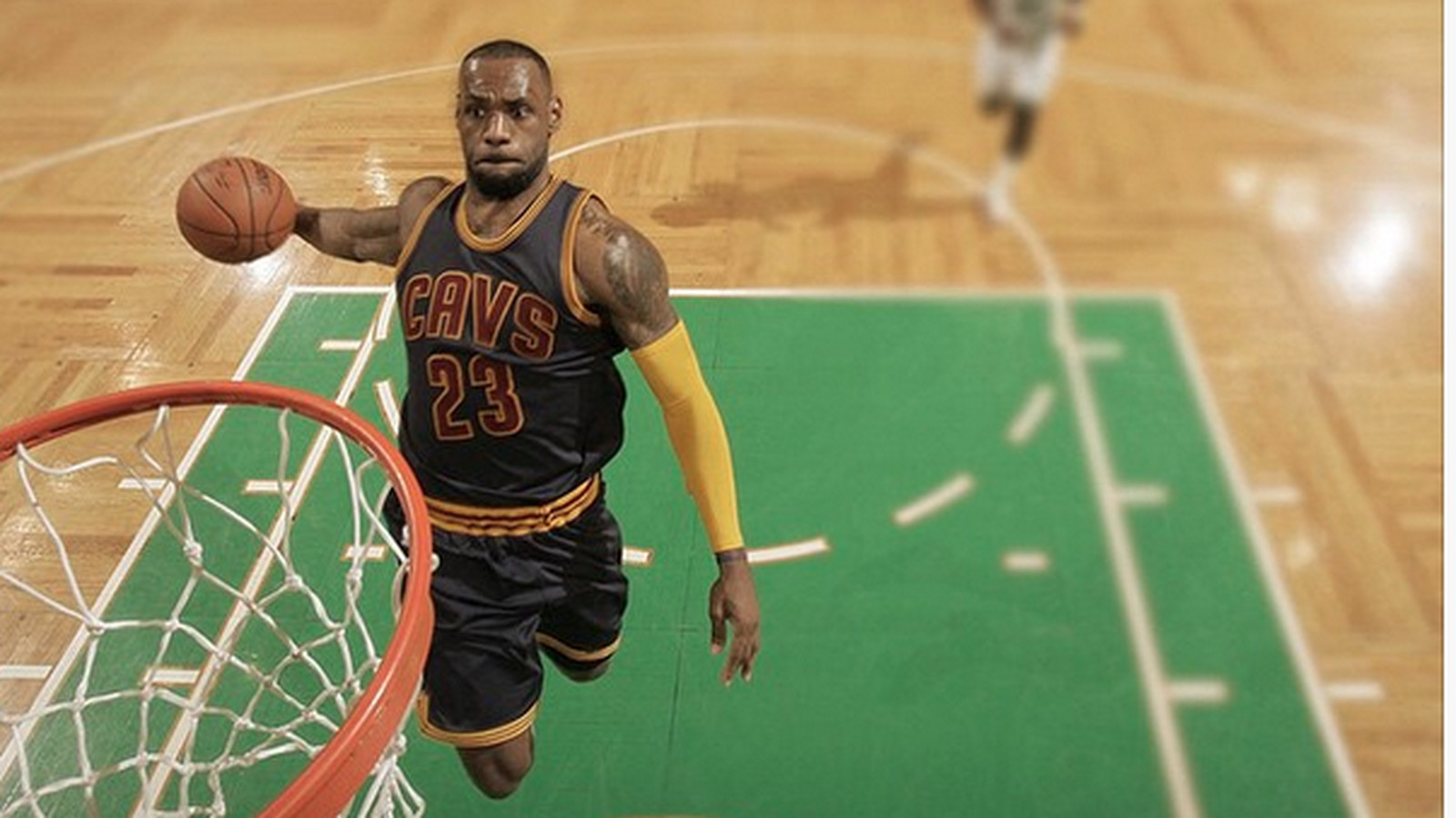 Nike Basketball took an incredible picture of LeBron's ...
