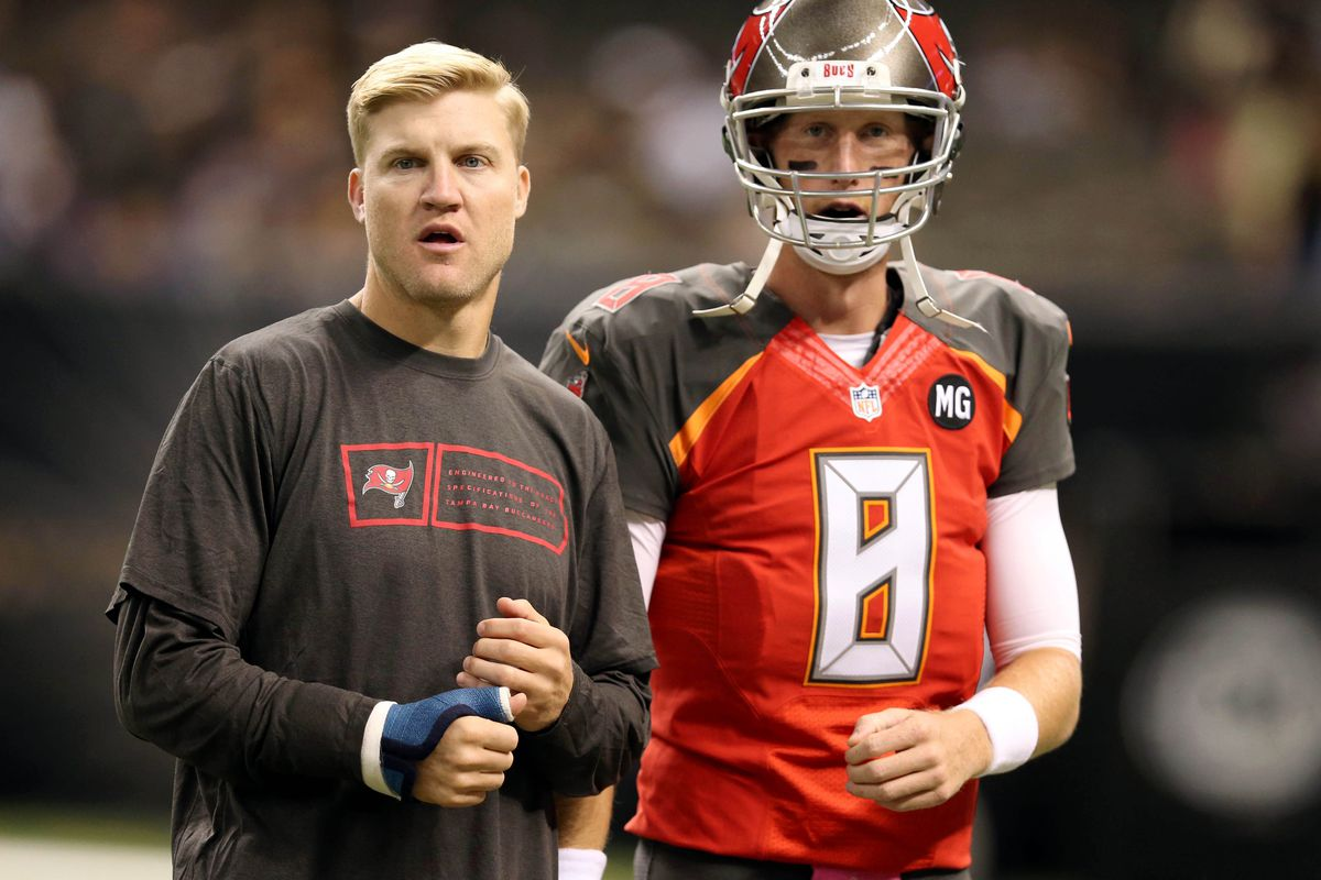 josh mccown takes over as bucs starter from mike glennon bucs nation the buccaneers aren t satisfied mike glennon s play and now they re moving back to josh mccown