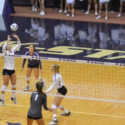 MANHATTAN - K-State sophomore Sarah Dixon sets the ball during a match against Arkansas on Aug. 31, 2017.