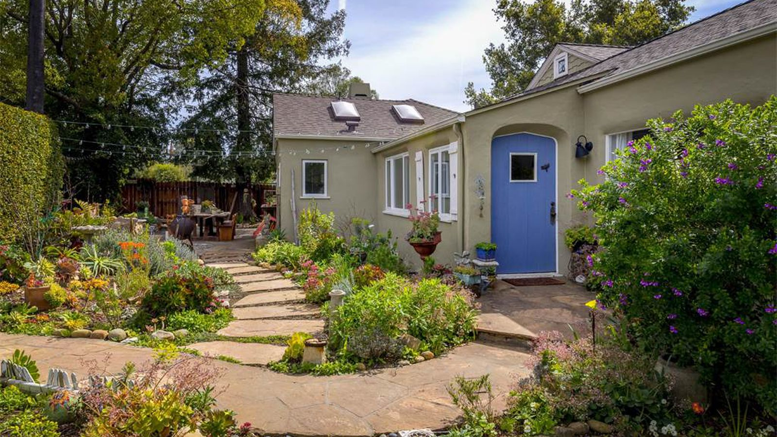Inviting santa barbara cottage with art shed asks 2 3m for Tiny house santa barbara