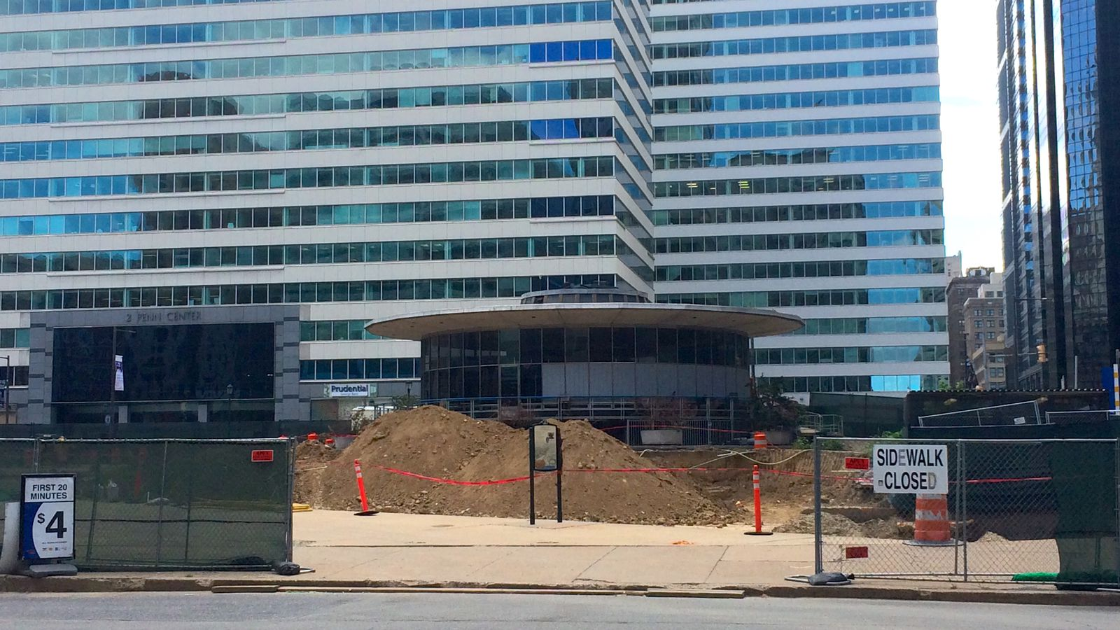 Construction Begins On Love Park S Welcome Center With 700k Pledge Curbed Philly