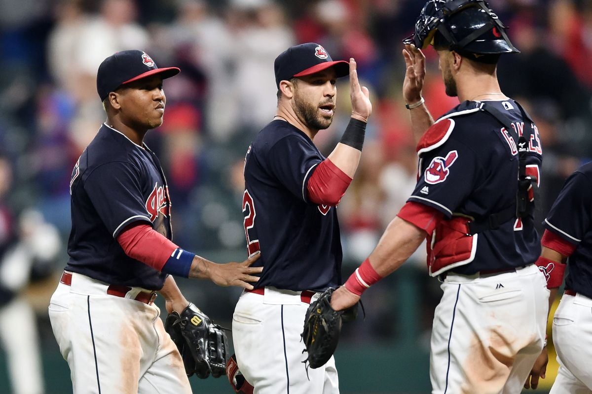 Indians ace Kluber leaves game with back discomfort