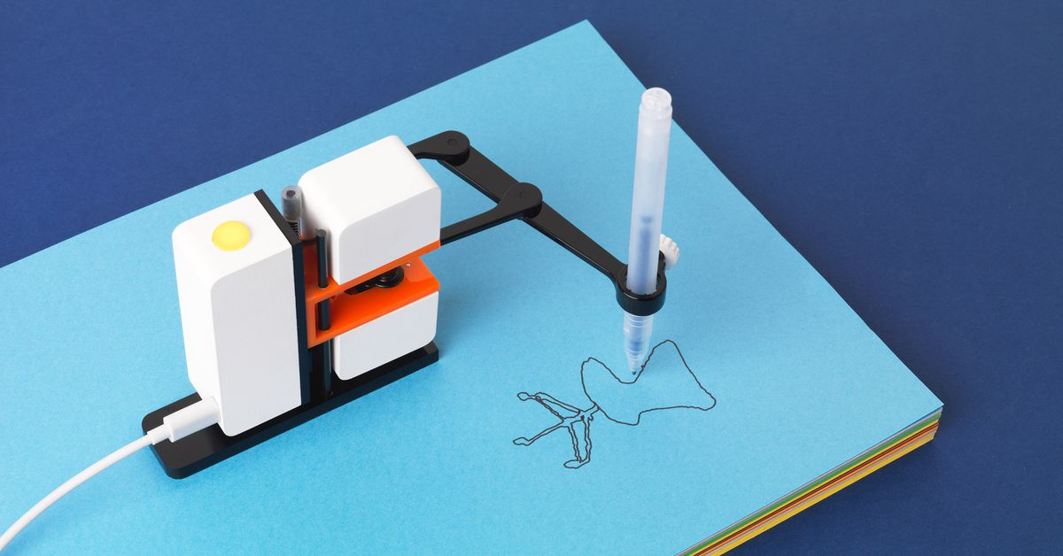 This Adorable Little Robot will Draw Anything You do