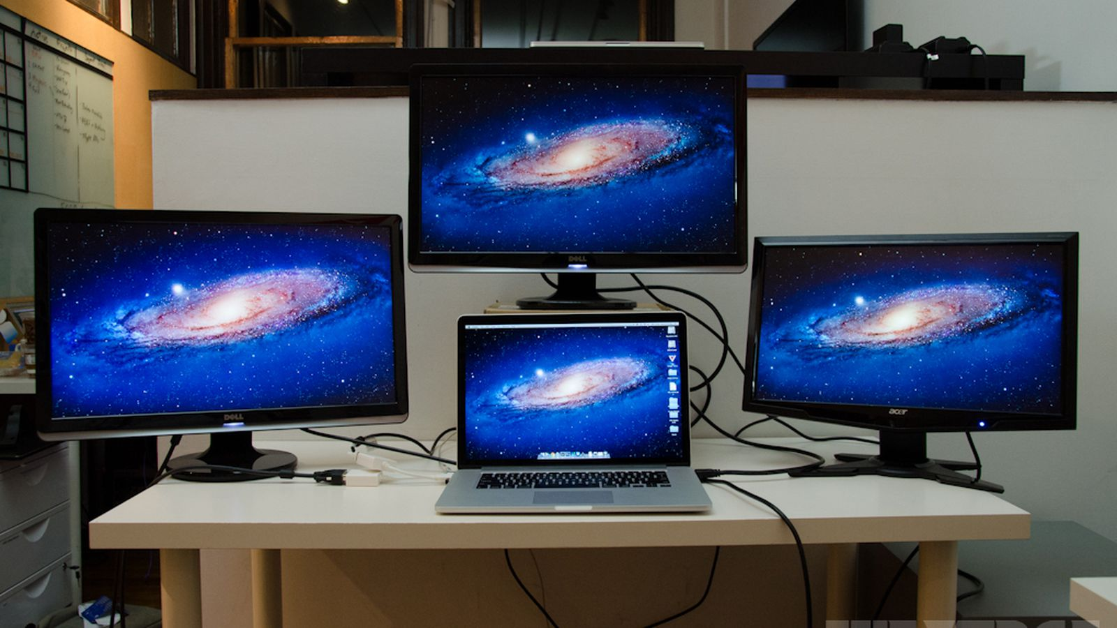 MacBook Pro with Retina display can drive four screens simultaneously - The Verge