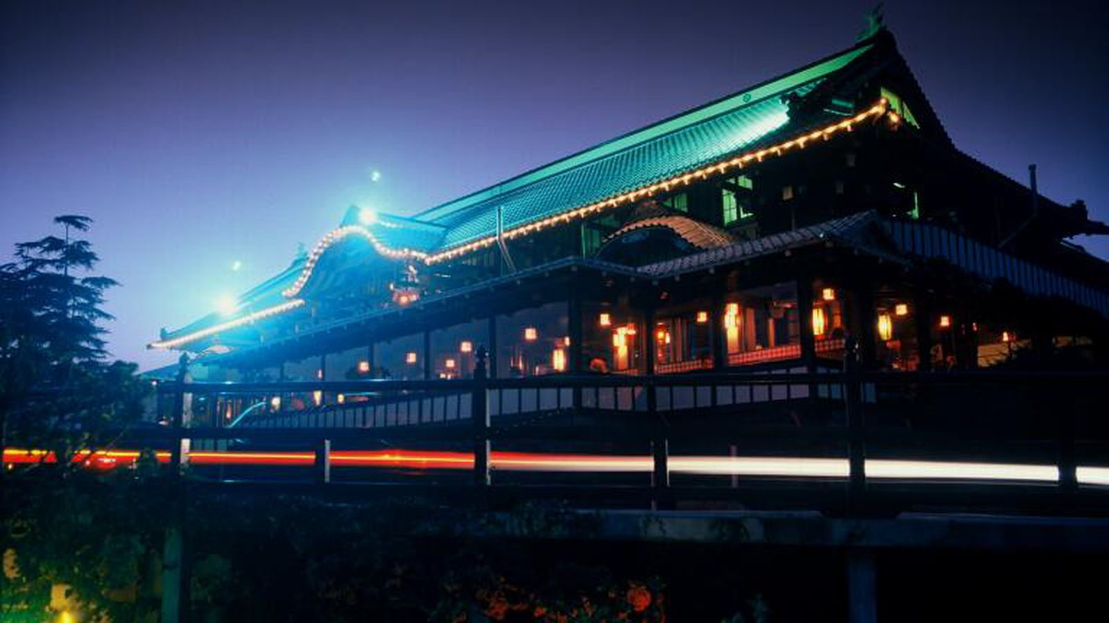 Uh Oh: Hollywood's Famed Yamashiro Restaurant Could Still ...