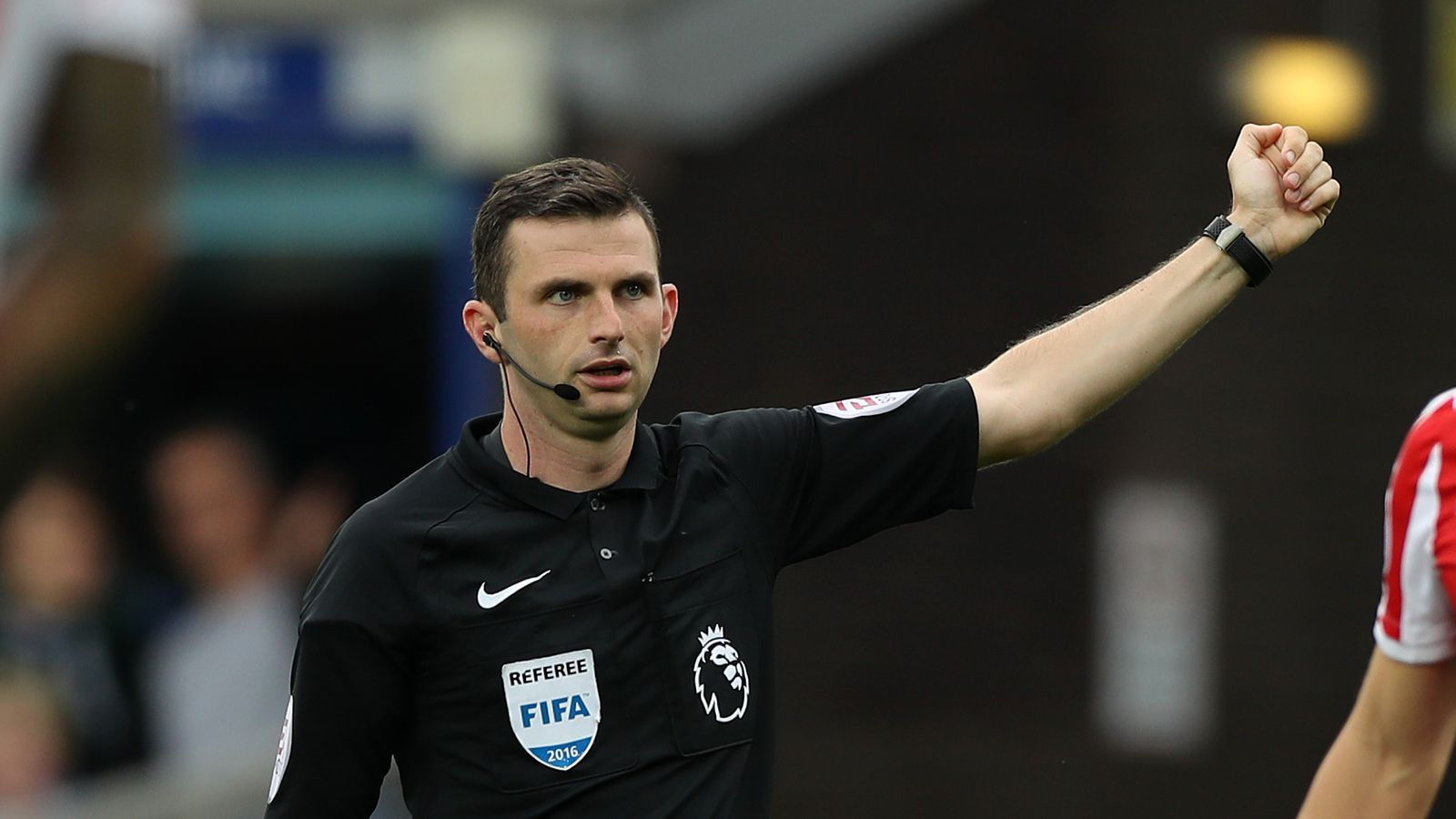 Michael Oliver to officiate second Everton game of the ...