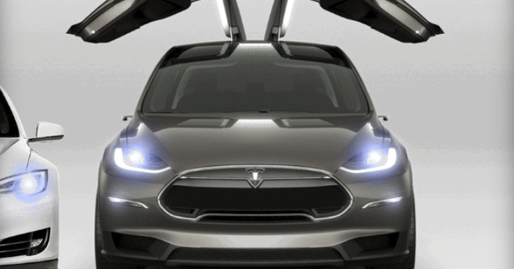 Tesla Model X's Falcon Wing doors now open and close